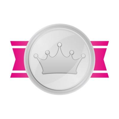王冠のマークがあしらわれた銀メダル